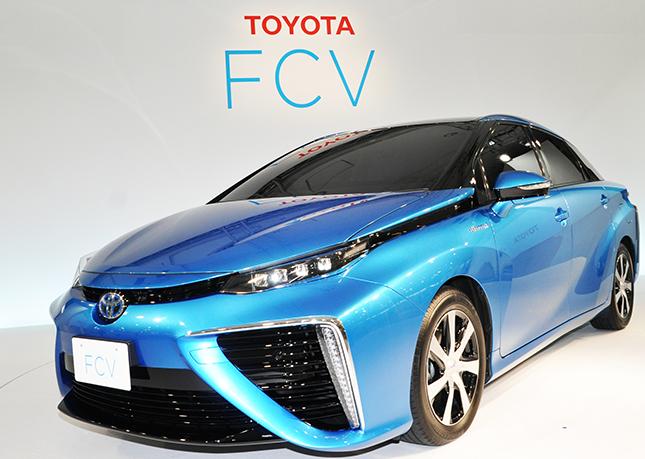 トヨタが燃料電池車を販売!水素の危険性は?